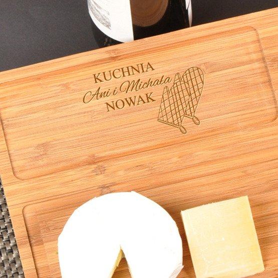Deska kuchenna z nożem- Czyja kuchnia...rękawiczki