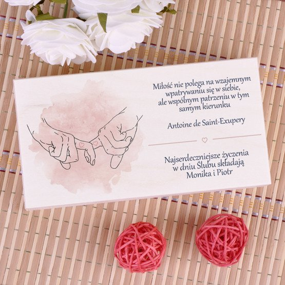 Drewniane pudełko na koperty z dłonie- prezent ślubny