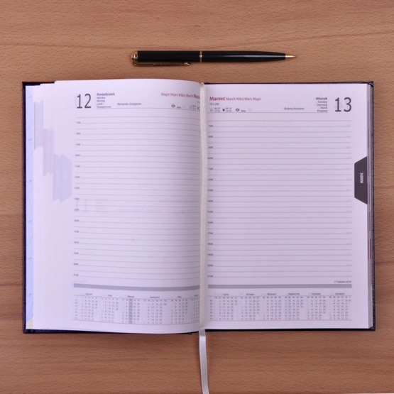 """Kalendarz z nadrukiem- """"Kochamy Cię babciu"""""""