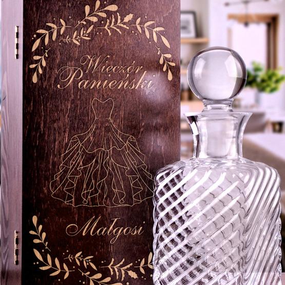 Karafka VINTAGE w pudełku drewnianym na wieczór panieński