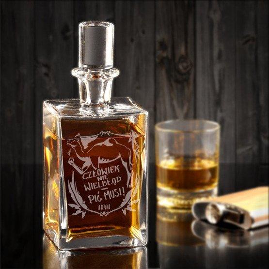 """Karafka do whisky """"Człowiek nie wielbłąd..."""""""