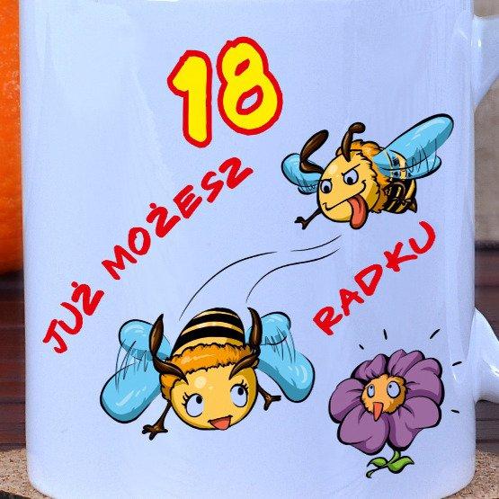 Kubek na 18-ste urodziny- pszczółki