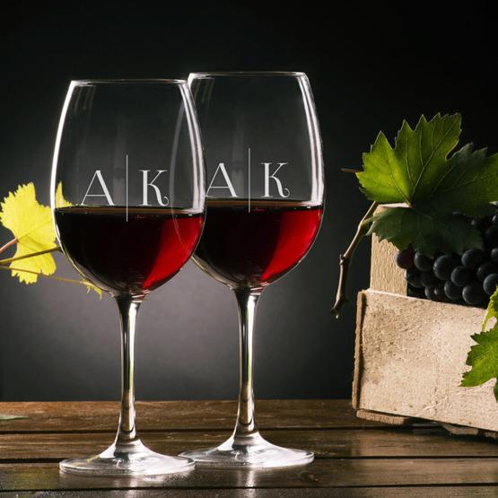 Zestaw pudełko z kieliszkami i miejscem na wino - historia miłosna
